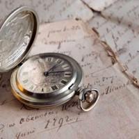 Călător în timp sau manipulare