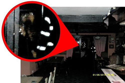 Fantoma judecătorului Jeffreys bântuie un pub (3)