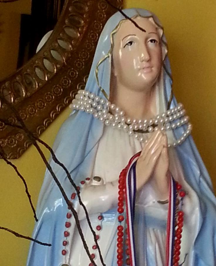 """O statuie a Fecioarei Maria a """"plâns"""" în Israel"""