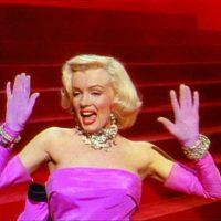 Gentlemen_Prefer_Blondes_Movie_Trailer_Screenshot_(35)