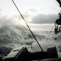 winter-nordatlantik_-_sturm_wasser_uber_deck_und_luken